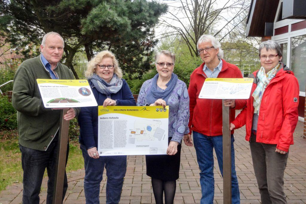 Der Arbeitskreis Hallonen-Rundweg zusammen mit der Brtsbürgermeisterin